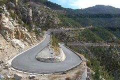 hairpin-road-in-corse